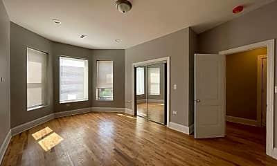 Living Room, 6125 S Prairie Ave, 1