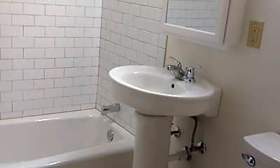 Bathroom, 2129 Randolph Ave, 2