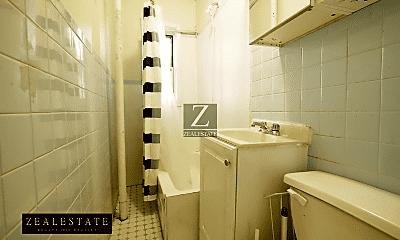 Bathroom, 646 6th Ave, 2