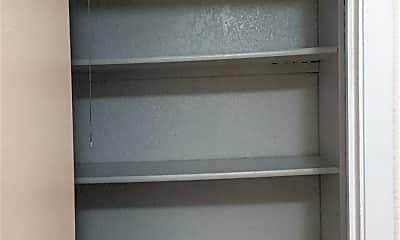 Kitchen, 1400 N Elm St, 2