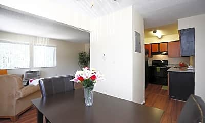Dining Room, Oxford Pointe Apartments, 1