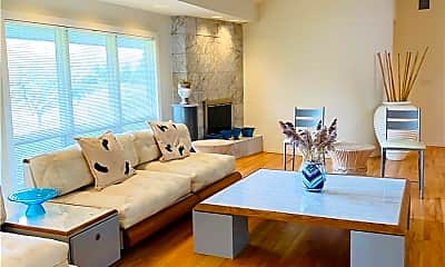 Living Room, 22 Meadow Ln, 2
