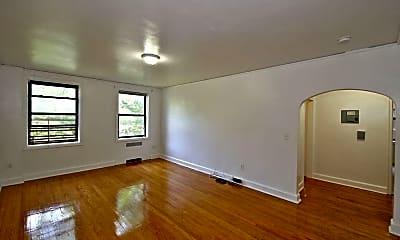 Living Room, 412 Larchmont Acres 2D, 1