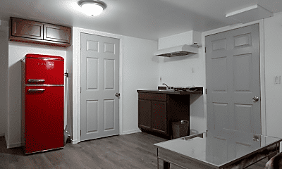 Kitchen, 6311 Foundry Rd, 2