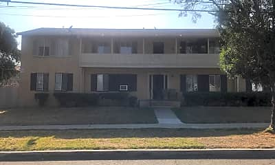 Mountain View Manor, 1