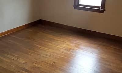 Living Room, 107 N Oak St, 1