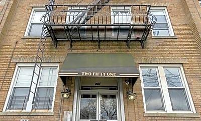 Building, 251 Beacon Ave, 0