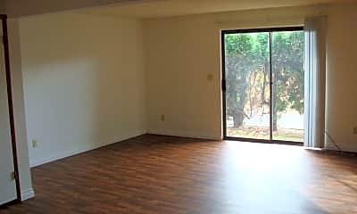 Living Room, 1100 NE Minnehaha St, 1