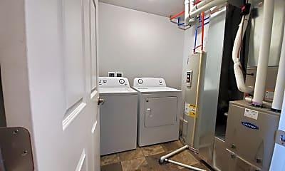 Bathroom, 412 N Sioux Blvd, 1
