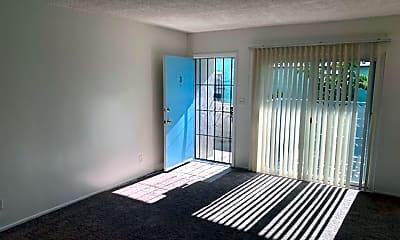 Living Room, 107 E Buckthorn St, 1