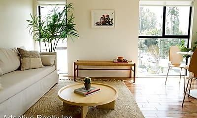 Living Room, 2822 Potomac Ave, 1
