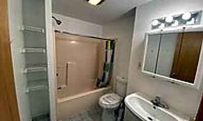 Bathroom, 614 2nd St 1, 2