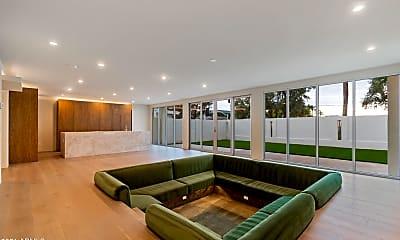 Living Room, 6806 N 72nd Pl, 0
