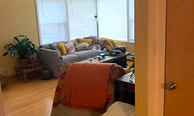 Bedroom, 747 N Northwest Hwy, 1