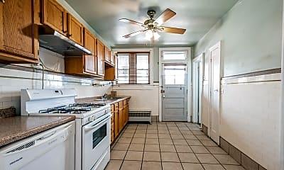 Kitchen, 6113 N Francisco Ave 3S, 2