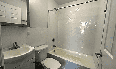 Bathroom, 68 Garside St, 2