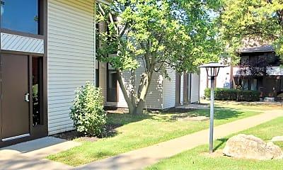 Building, 235 W Chestnut St, 2