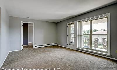 Living Room, 3504 W Lakefield Dr, 0