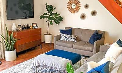 Living Room, 4591 Contour Blvd, 1