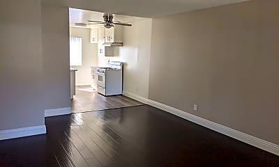 Living Room, 1529 Junipero Ave, 1