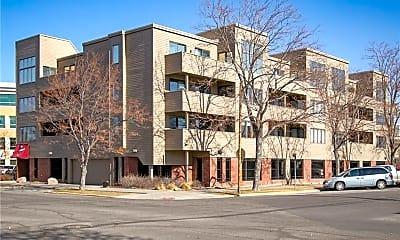 Building, 703 N 29th St, 1