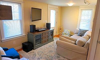 Living Room, 368 Sanford Rd, 1