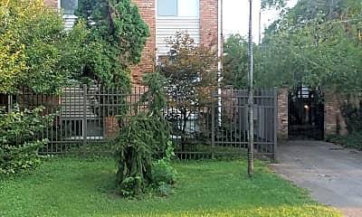 Garden Courts Apartments, 1