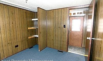 Bedroom, 115 W Elm St, 2