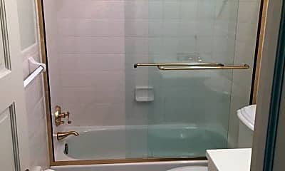 Bathroom, 1725 P St NW, 2