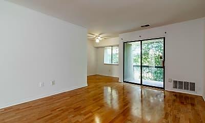 Living Room, 1310 Meadowview Ln, 0