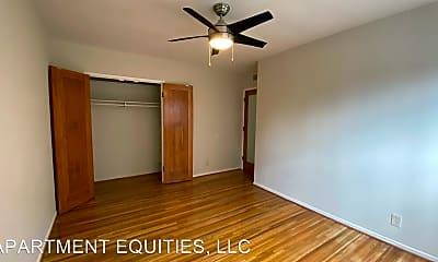 Bedroom, 4425 W Maplewood Ave, 2