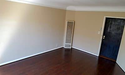 Living Room, 5400 Carlton Way, 1