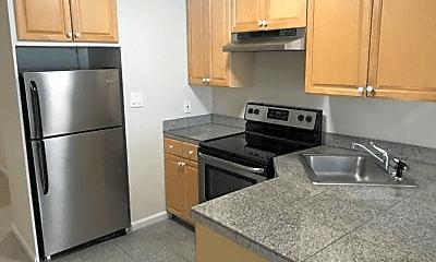 Kitchen, 940 Guerrero St, 1