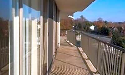 Patio / Deck, 3333 University Blvd W, 1