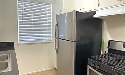 Kitchen, 1755 N Kenmore Ave, 1