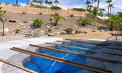 Pool, 2317 E Chelsea St, 2