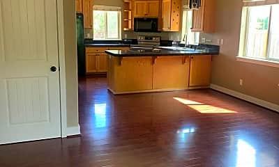 Kitchen, 568 Donna Dr, 1