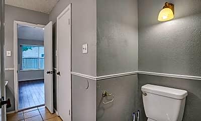 Bathroom, 900 Clearwater Trail, 2