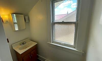 Bathroom, 22497 Boulder Ave, 2