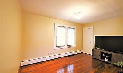 Living Room, 2728 Harrison Ave, 1