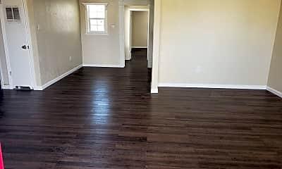 Living Room, 2924 Beechwood St, 1