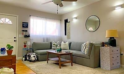 Living Room, 511 Roberts St, 0