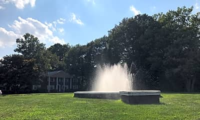 Fountain Village, 2