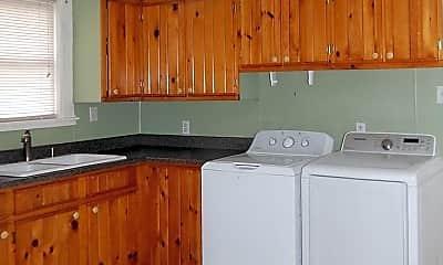 Kitchen, 34 Chamberlain St, 1
