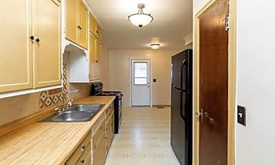Kitchen, 4917 Graceland Ave, 2