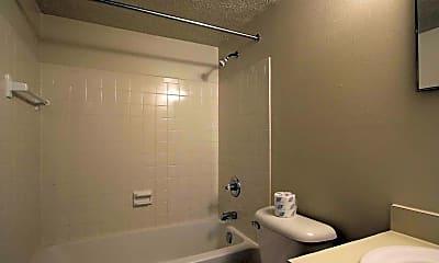 Bathroom, Wingate, 2
