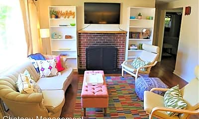 Living Room, 1011 NW 34th St, 0