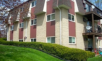 Building, 211 E Main St, 2