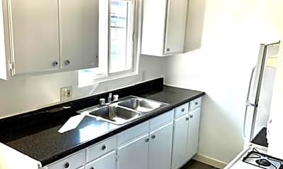 Kitchen, 620 Myrtle Ave 8, 2