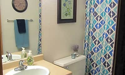 Bathroom, 403 3rd St N, 1